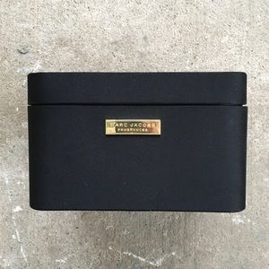 Marc Jacobs | Fragrances Box